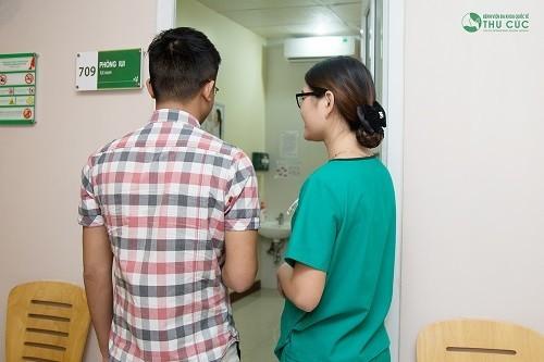 Tốt nhất nên thăm khám khi có biểu hiện bất thường để có chỉ định điều trị và tư vấn chăm sóc kiêng cữ thích hợp