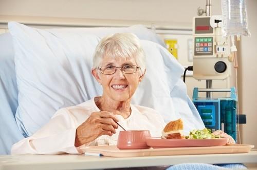 Bị ung thư kiêng ăn gì
