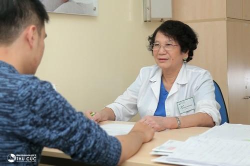 Nhận thấy triệu chứng bất thường cần đi thăm khám tìm nguyên nhân để có cách xử.