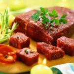 Người cao huyết áp có nên ăn thịt không?