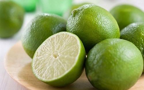 Chanh có hàm lượng vitamin C rất lớn và là một trong những biện pháp khắc phục tốt nhất khi thở khò khè.