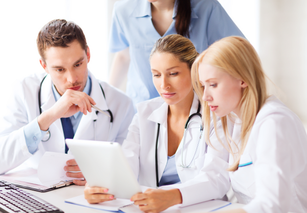 Bạn nên đến cơ sở chuyên khoa để thăm khám và điều trị khi viêm đường tiết niệu