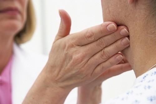 Bị ung thư vòm họng giai đoạn cuối sống được bao lâu