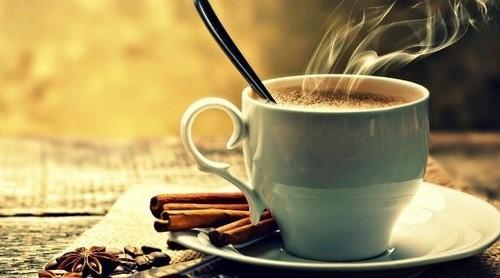 Uống cà phê cũng gây tình trạng đi tiểu nhiều lần