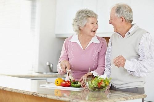 Hơn 50% cơn đau tim ở người già xảy ra vào mùa đông. ( Ảnh minh hoạ)
