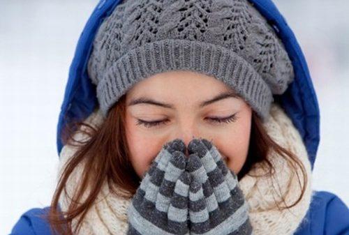 Ngày Tết, thời tiết lạnh, nếu đi ra ngoài bạn cần giữ ấm cơ thể