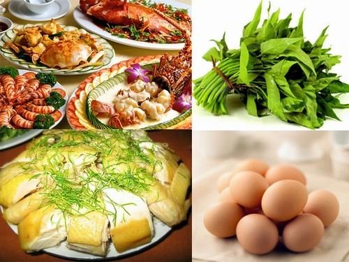 Kiêng những thực phẩm như trứng, hải sản, ra muống,... để vết mổ nhanh hồi phục không mưng mủ
