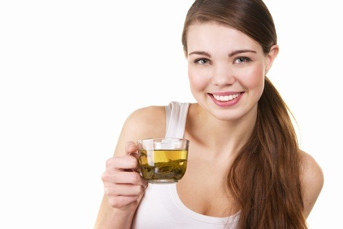 Uống trà xanh đúng cách để vừa tốt cho sức khỏe vừa không gây mất ngủ
