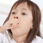 Khi trẻ bị ho, sổ mũi cần làm gì?