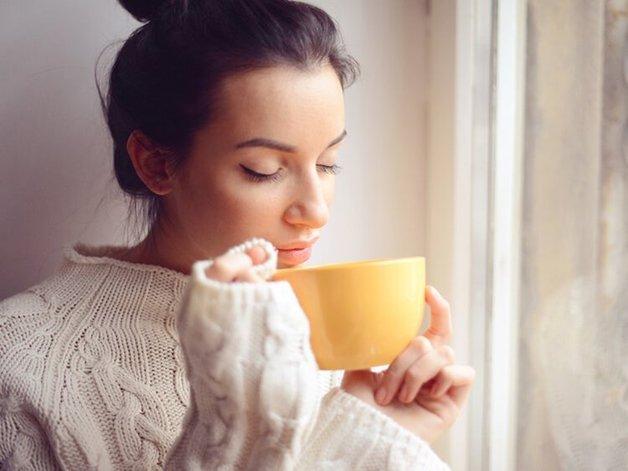 uống trà mất ngủ phải làm sao