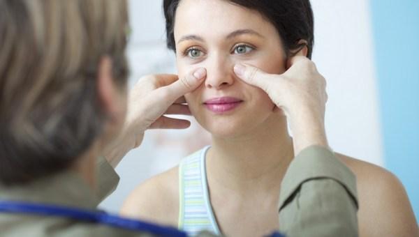 Bạn nên đến cơ sở chuyên khoa để thăm khám khi viêm mũi phù nề