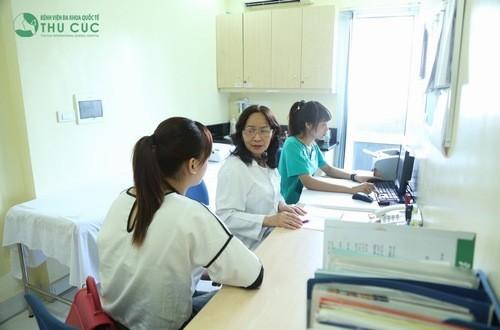 Thăm khám để được chẩn đoán và điều trị nóng trong nổi mụn hiệu quả