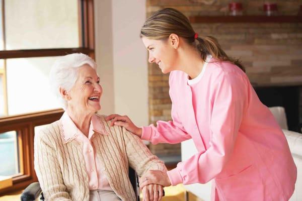 Chăm sóc bệnh nhân Alzheimer đúng cách, hạn chế tình trạng bệnh tiến triển lại là điều quan trọng hơn bao giờ hết.