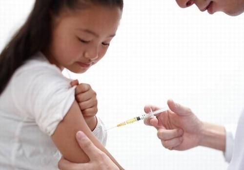Cần tiêm phòng viêm gan A cho trẻ sớm