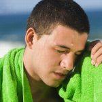 Ra mồ hôi nhiều là bệnh gì?