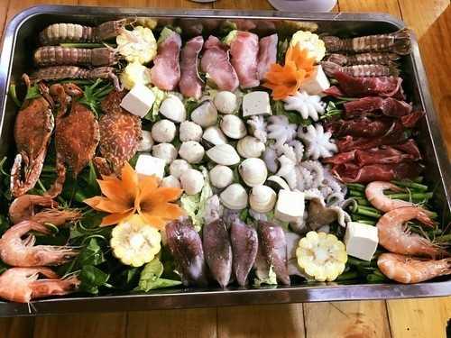 Người bệnh viêm bờ mi nên hạn chế ăn hải sản
