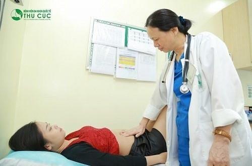 Thăm khám tiêu hóa khi có dấu hiệu đau dạ dày để được chẩn đoán và điều trị kịp thời