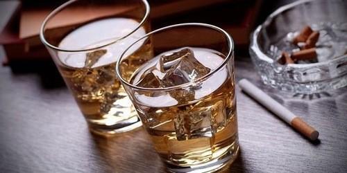 Kiêng uống rượu bia, kiêng sử dụng các chất kích thích khi điều trị bệnh