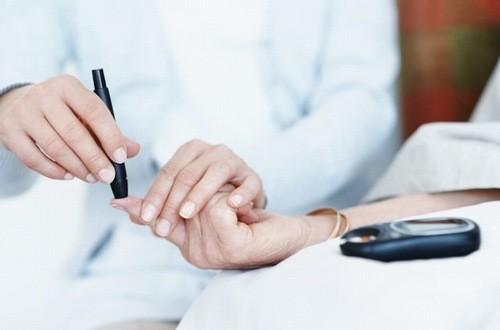 Xét nghiệm tiểu đường cần được thực hiện định kỳ thường xuyên