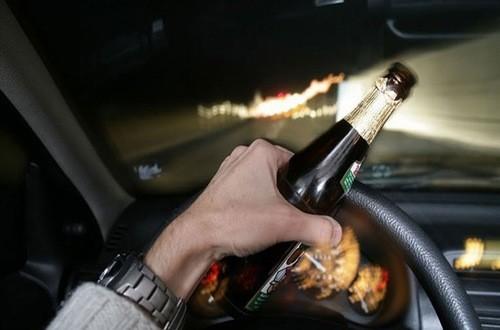 Sau khi uống rượu bạn không nên lái xe