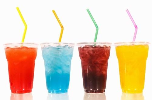 Người bệnh tiểu đường nên kiêng các loại nước uống ngọt, có ga
