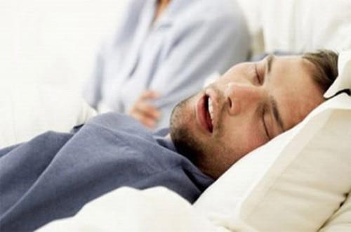 Ngưng thở khi ngủ có thể là dấu hiệu cảnh báo gan bị quá tải
