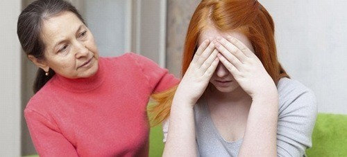 Quan tâm theo dõi trẻ, liên hệ với bác sĩ nếu thấy trẻ có những biểu hiện bất thường.