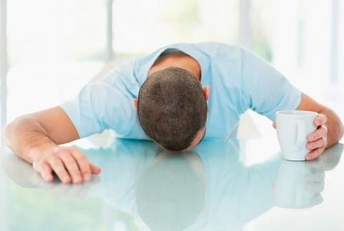 Người bệnh thấy đau tinh hoàn,tình trạng đau tăng lên khi quan hệ tình dục, đau khi tiểu tiện.