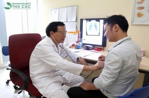 Thăm khám và điều trị ngay khi có dấu hiệu giảm tiểu cầu