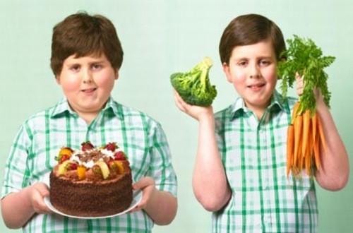 Thay đổi chế độ ăn uống cho trẻ giúp kiểm soát cân nặng