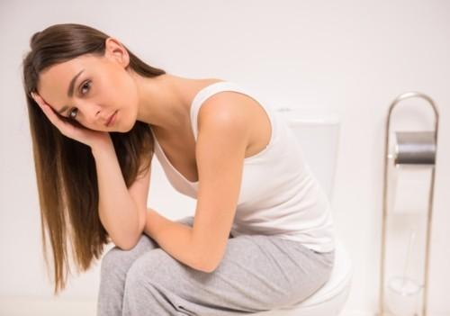 Đau bụng dưới sau sinh mổ là tình trạng khiến cho các sản phụ lo lắng.