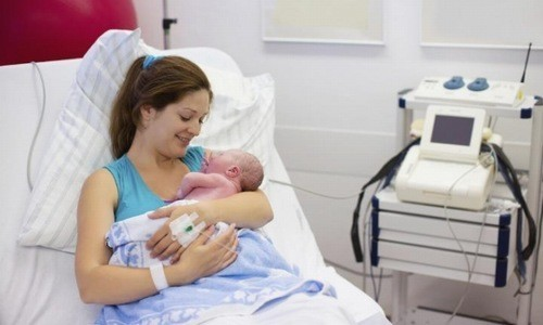 Đẻ mổ là phương pháp được nhiều mẹ bầu lựa chọn hiện nay, giúp thai phụ chủ động được hoàn cảnh sinh của mình