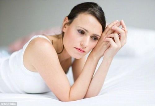 Viêm cổ tử cung là một trong những bệnh có thể gặp tình trạng khí hư vón cục như bã đậu.
