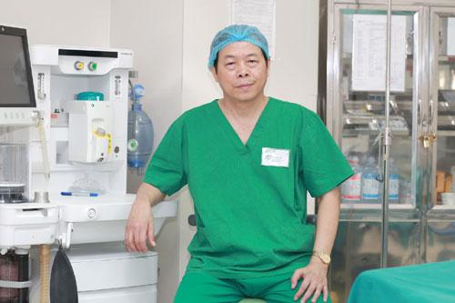 Bác sĩ CKII Đào Tuấn (Phó Giám đốc khối Ngoại - Trưởng khoa Ngoại, Bệnh viện ĐKQT Thu Cúc là chuyên gia giàu kinh nghiệm trong lĩnh vực phẫu thuật nội soi.