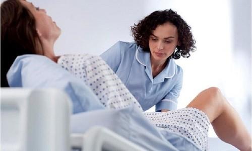 Bóc rau nhân tạo là hình thức cho tay vào buồng tử cung lấy rau còn sót lại sau khi thai đã sổ. Cụ thể phương pháp này sẽ được tiến hành như thế nào và chỉ định cho ai?
