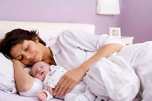 Thủ thuật cắt và khâu tầng sinh môn thường được chỉ định trong sinh thường để chủ động mở rộng cửa mình giúp đầu em bé lọt ra dễ dàng