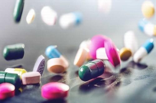 Thuốc có thể là tác nhân gây nước tiểu có màu vàng