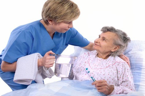 Di chứng sau tai biến mạch máu não thường khó điều trị cần phải kiên trì