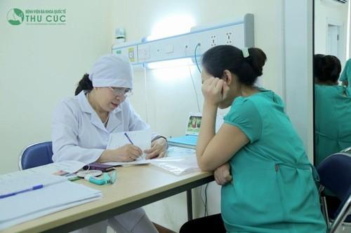 3 tháng cuối của thai kỳ, mẹ bầu dễ mắc các chứng tiền sản giật, tiểu đường thai nghén và chuyển dạ sinh non, cần phải thăm khám cẩn thận.