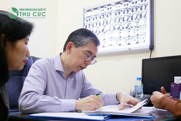 bệnh viện Thu Cúc hợp tác với đội ngũ bác sĩ Singapore trong điều trị ung thư