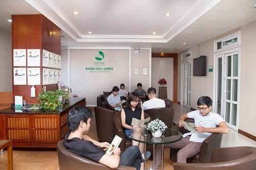Khoa Ung bướu- Bệnh viện Thu Cúc hợp tác với đội ngũ bác sĩ chuyên môn giỏi từ Singapore trong xây dựng phác đồ điều trị ung thư