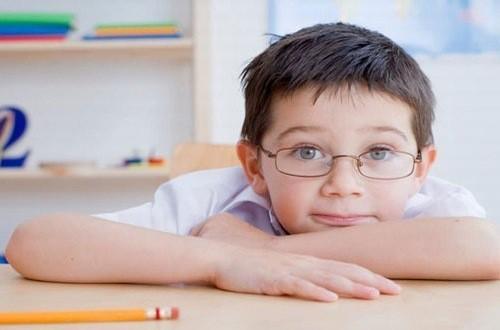 Hiện nay nhiều trẻ mắc chứng cận thị đặc biệt trong trẻ trong lứa tuổi đi học