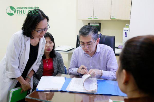 Bệnh viện Thu Cúc hợp tác toàn diện với đội ngũ bác sĩ chuyên môn giỏi từ Singapore trong xây dựng phác đồ điều trị ung thư. Chịu trách nhiệm chính trong điều trị các bệnh ung thư đầu cổ tại bệnh viện có TS. BS Lim Hong Liang