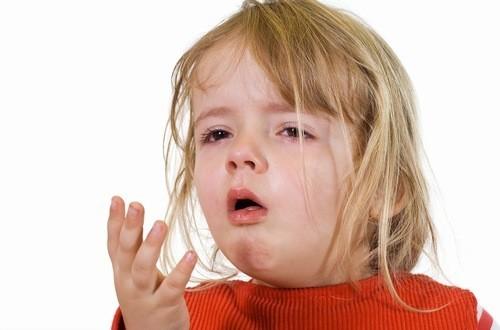 Trẻ bị viêm phế quản cần được phát hiện sớm và điều trị kịp thời hiệu quả