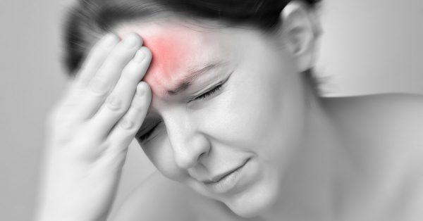 Bệnh nhân ung thư phổi di căn não thường có biểu hiện đau đầu dữ dội