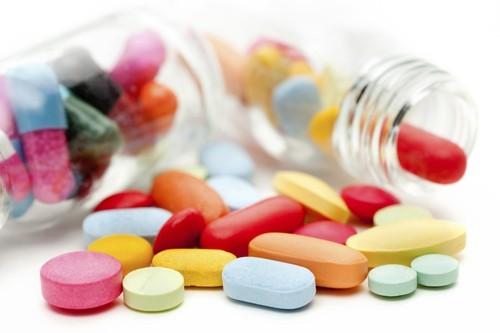 Bác sĩ có thể chỉ định thuốc kháng sinh giảm đau nếu bệnh nhân có biểu hiện đau nhiều