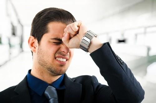 Căng thẳng kéo dài cũng là nguyên nhân gây nên tình trạng đau đầu