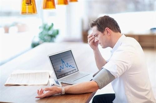Chóng mặt là triệu chứng điển hình của bệnh huyết áp thấp