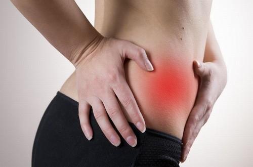 Đau bụng là dấu hiệu đau ruột thừa phổ biến nhưng dễ bị nhầm lẫn