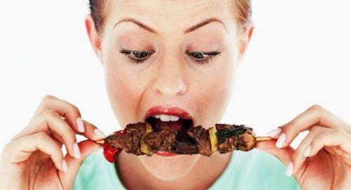 Chế độ ăn thiếu rau xanh tăng nguy cơ ung thư cổ tử cung